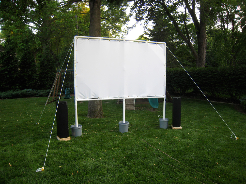 Geek dad s diy outdoor movie screen plastic 39 how to for Pvc pipe garden projects